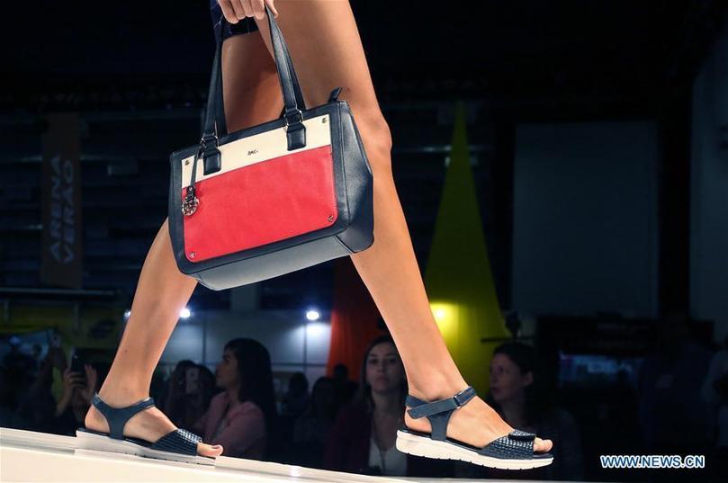 Сан-Пауло хотод 50 дахь удаагийн Олон улсын гутлын болон гоёл чимэглэлийн үзэсгэлэн яармаг болж байна