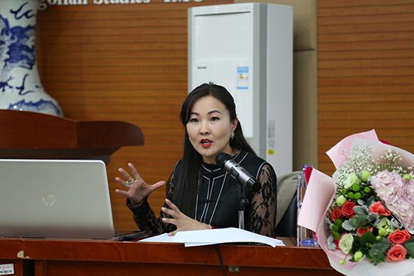 Монгол Улсын зохиолч Б.Шүүдэрцэцэг ӨМИС-д лекц уншив