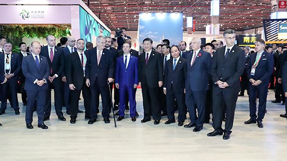 Ши Жиньпин гадаадын орнуудын удирдлагуудтай хамт импортын экспотой танилцлаа