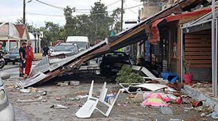 Грекийн хойд хэсгийн хүчит салхи шуурганд 7 хүн эндэж 120 гаруй хүн бэртжээ