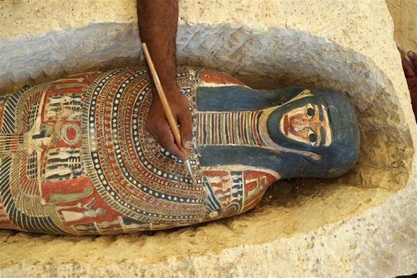 4500 жилийн түүхтэй Египетийн муруй Пирамидын доторх онгон жуулчдад нээлттэй болжээ