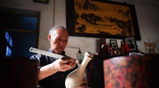 Вааран урлалын алдартай өв тээгч Дин Гүөкүнь