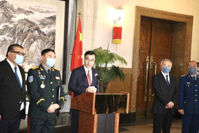 МЦНХ-ноос Хятад улсын цэргийн эмч, сувилагч нарт хандив өргөв